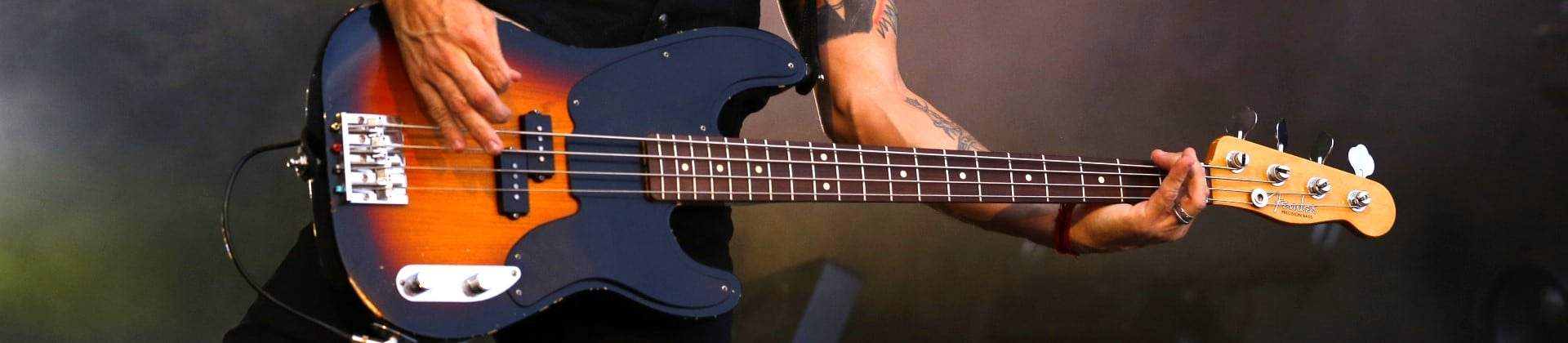 Best Short Scale Basses Reviewed in Detail [Jan. 2020]