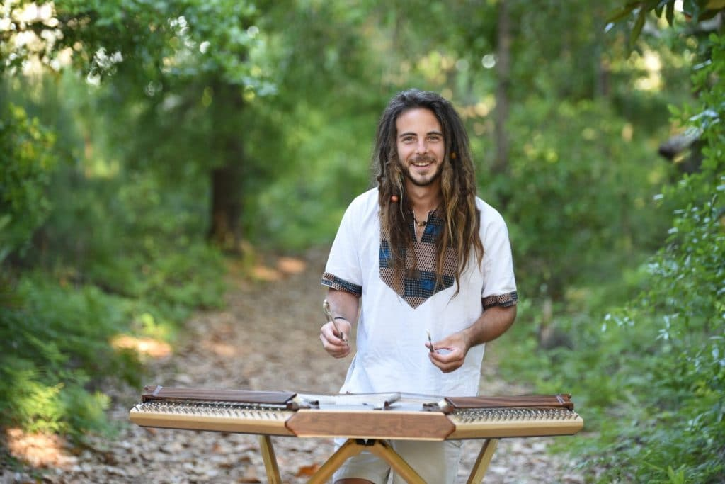 4 Incredible Hammered Dulcimers for Heart Warming Performances