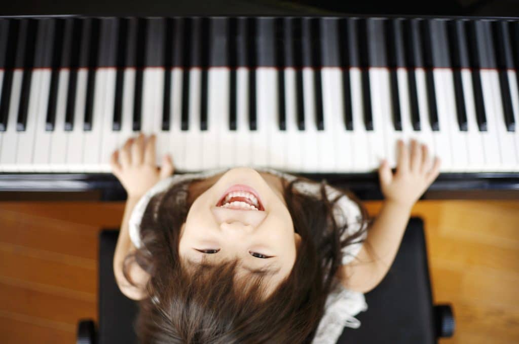 10 Best Keyboards for Kids - Way To Become A Genius