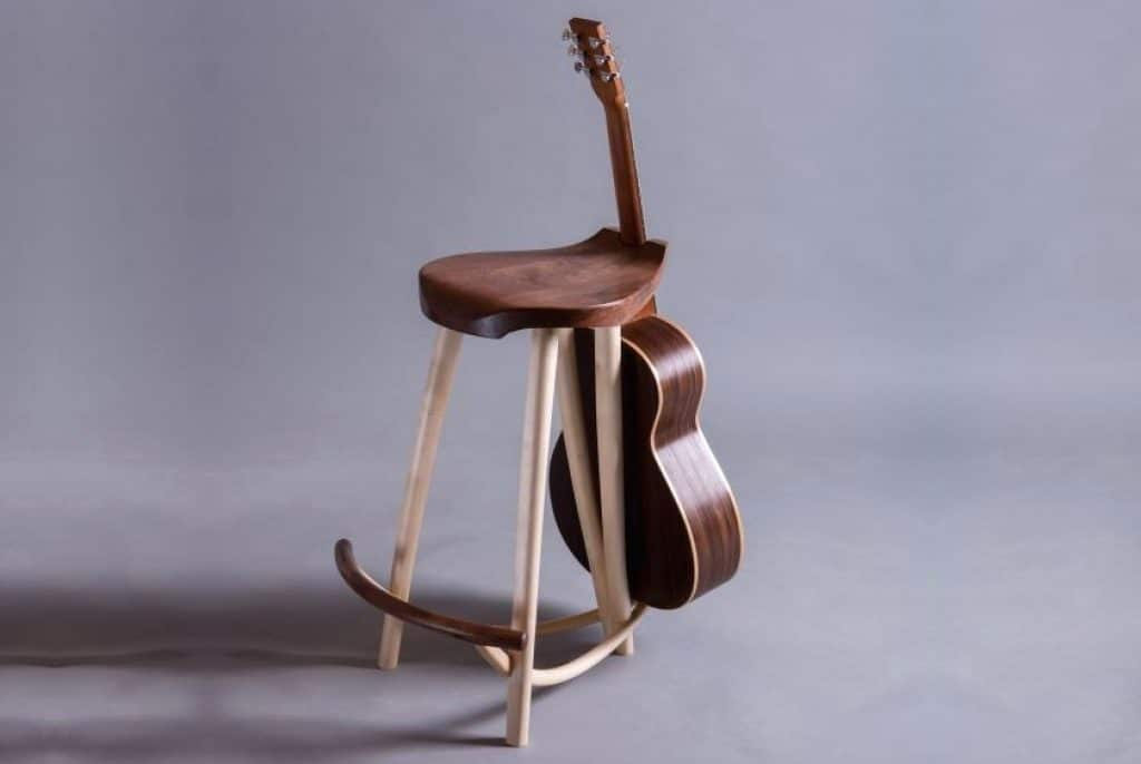 6 Reliable Guitar Stools to Give you Comfort During Performance