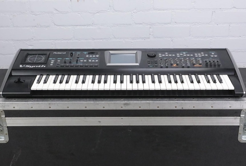 Synth vs Keyboard: Which One Should You Get?